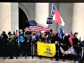 Klarifikasi KBRI Terkait Berkibarnya Bendera Merah Putih Saat Kerusuhan di Gedung Capitol